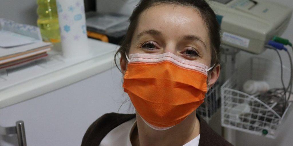 generation-ecologie-femme-masque-coronavirus